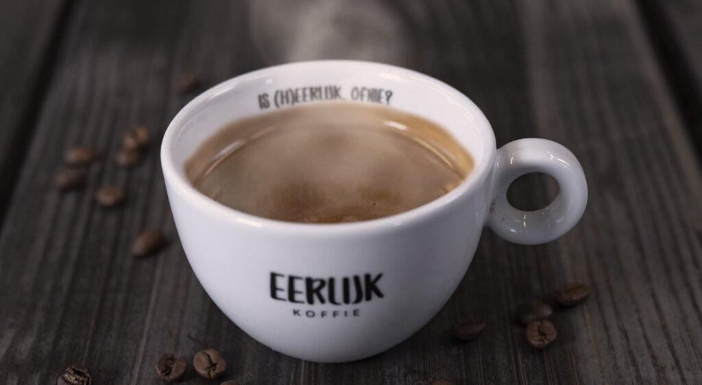 https://eerlijkkoffie.nl/wp-content/uploads/Bijzondere-ingredienten-in-jouw-kop-koffie.jpg