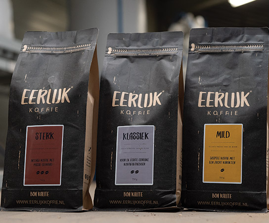 https://eerlijkkoffie.nl/wp-content/uploads/verse-koffiebonen-zakken.jpg